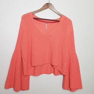 FREE PEOPLE CROPPED BELL SLEEVE VNECK SWEATER M